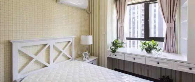 卧室飘窗设计成书桌效果图赏析 飘窗书桌简直... _众易居装修知识