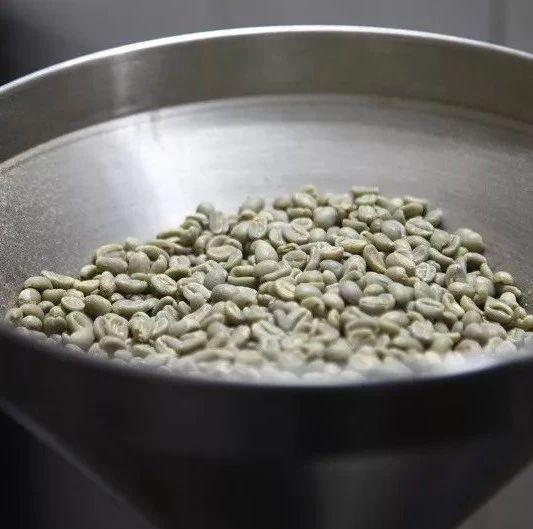 中度烘焙和重度烘焙的咖啡豆哪个更苦?