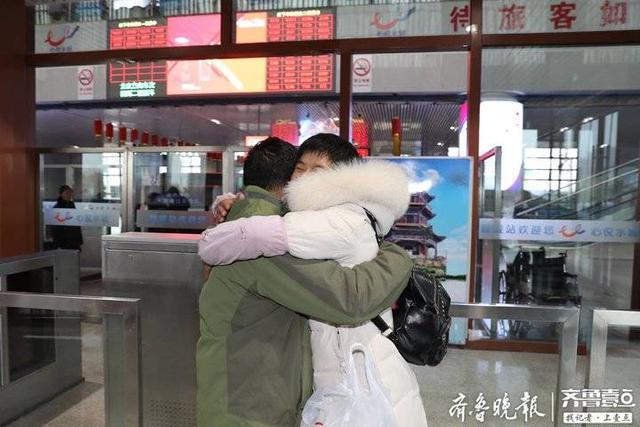 冷暖人生:医生和病人走的近,病人的丈夫是富豪,获得同学的钦佩