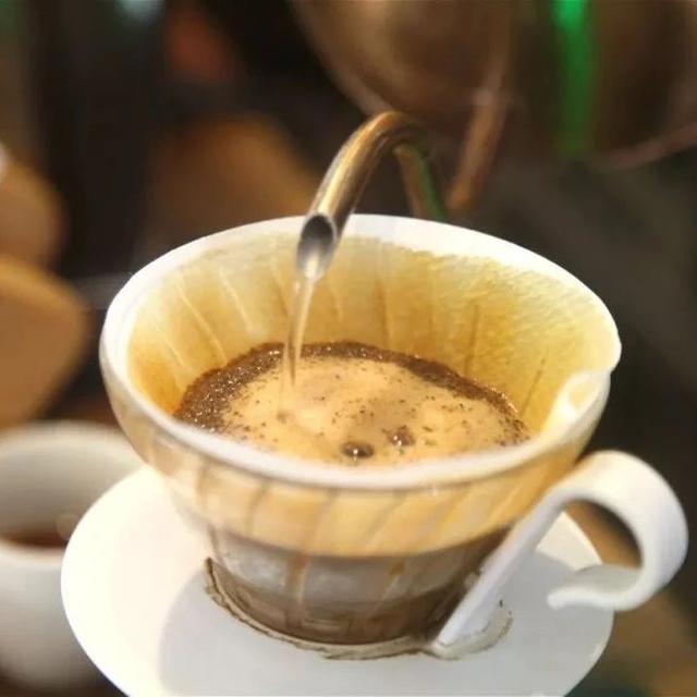 咖啡知识   为什么深度烘焙的咖啡豆要用低温冲煮?