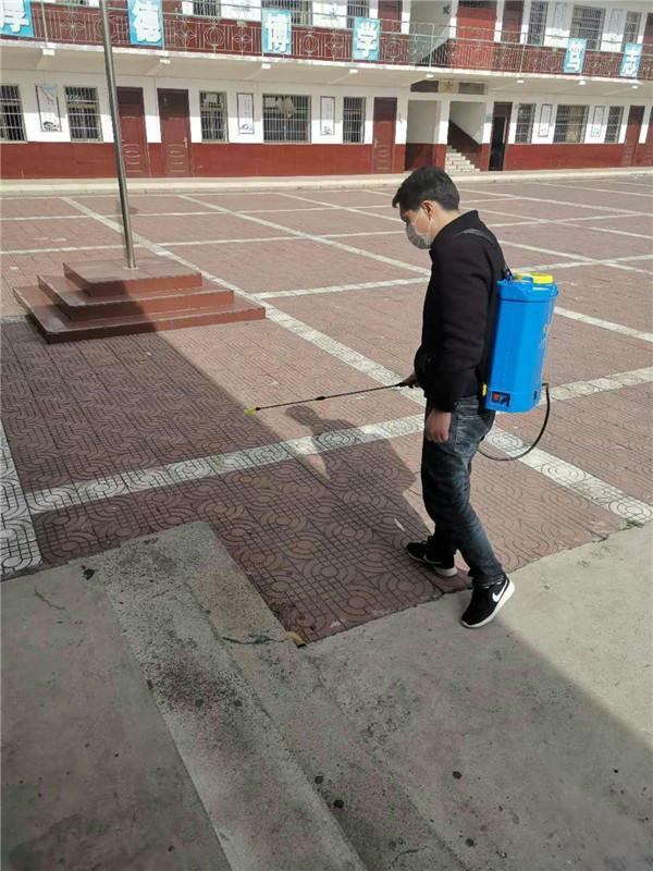 福州学校开展校园卫生清洁消毒