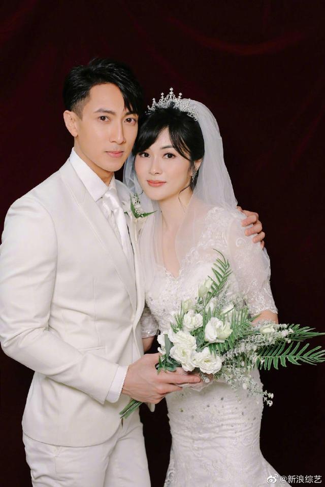 吴尊林丽吟携儿女拍浪漫婚纱大片,一家四口温馨同框幸福满溢