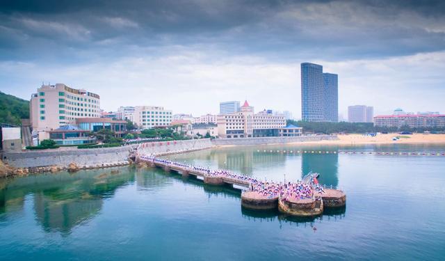 威海海滨酒店夜景图片