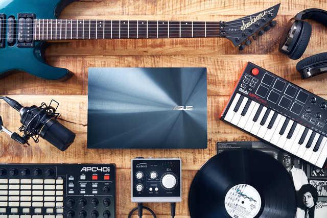 真正的黑科技:双屏笔记本到底有多香?