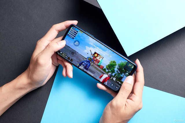 荣耀Play4评测:千元强机来袭,5G双模带你飞