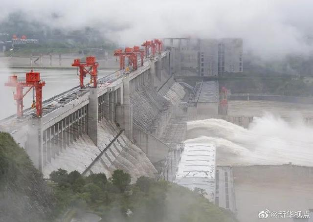 三峡!今年第一次泄洪