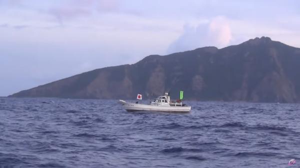 日本右翼组织渔船赴钓鱼岛,又被我海警追击约四小时