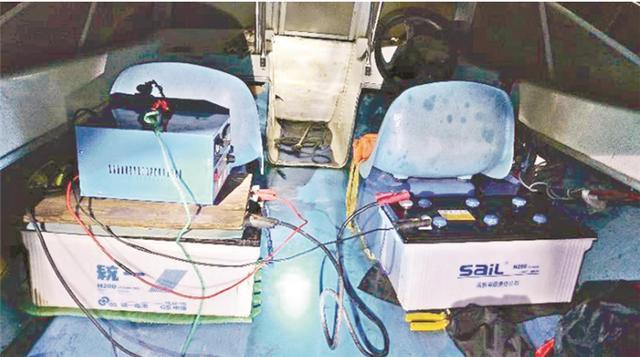 夫妻俩使用超声波捕鱼器在长江非法捕鱼获利24万,长航武汉警方深夜布控人赃并获