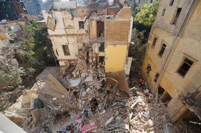 5000多人死伤,黎巴嫩首都进入紧急状态!中国救援队来了