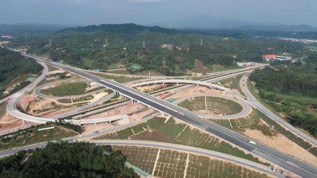 荔浦高速出口照片