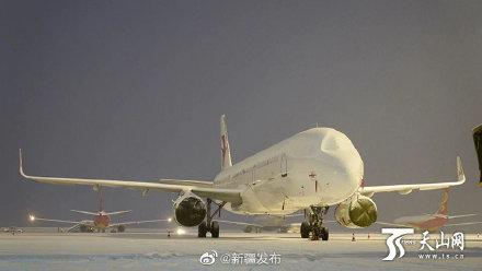 受降雪影响 乌鲁木齐机场取消航班55架次 延误40班 备降1班