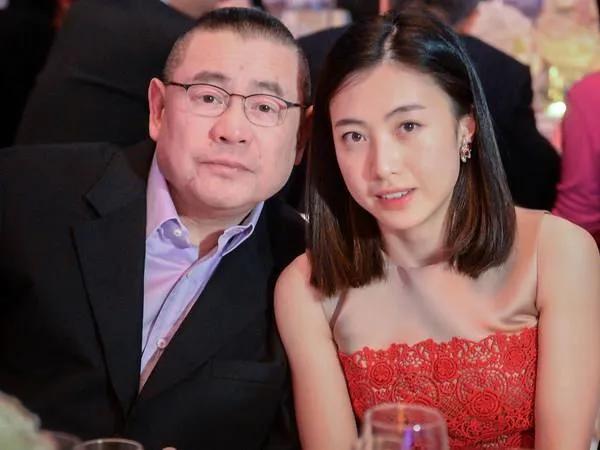 刘銮雄李嘉欣酒店激战