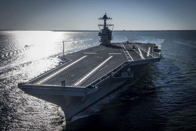 美军最成功护航航母,用民用油船改装而来,获海上女皇美誉(四)