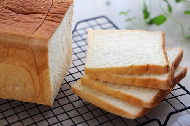 三明治離不開白吐司,教你又白又軟的吐司,撕著吃根本停不下來