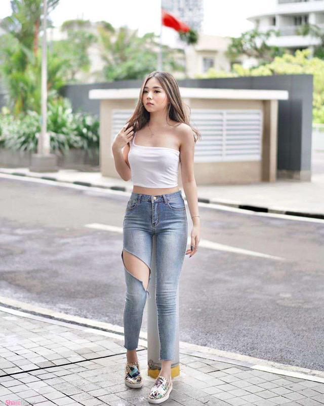 菲律宾网红美女,脸蛋可爱曲线傲人