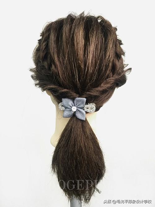 """不会扎头发的有救了,5款""""日常简单""""的扎马尾辫!太美了"""