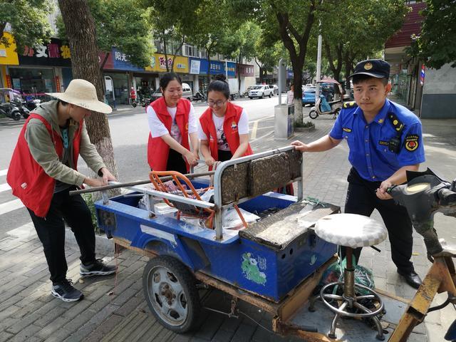 南京高淳固城街道团工委组织团员青年投身文明城市创建活动