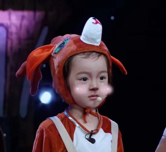 《三十而已》许子言妈妈否认他是混血,1岁就开始拍戏,未来可期