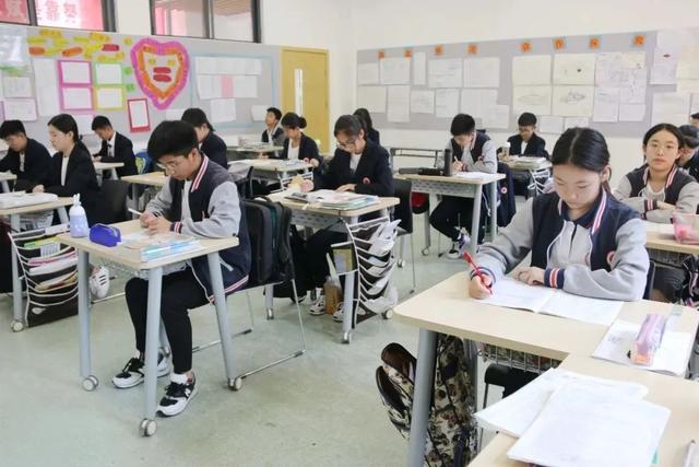 郑州小升初2.8万人填报民办初中,57所录满1.7万,近1.1万未录取