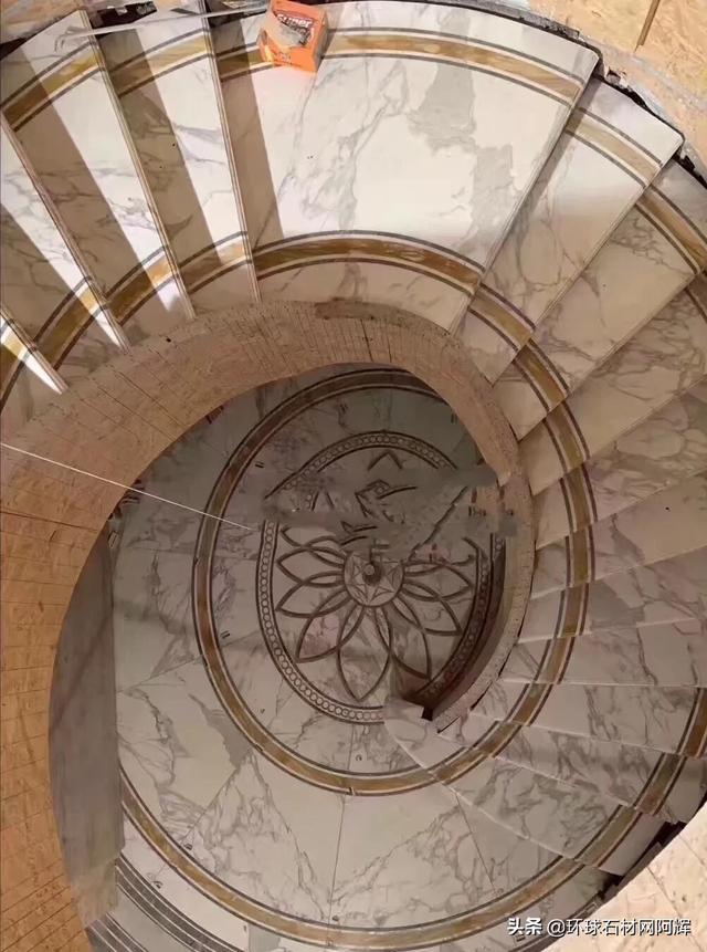 大理石楼梯玻璃扶手