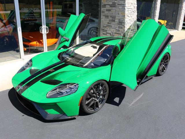 选装价值30000美元Atlas绿色车漆的福特GT