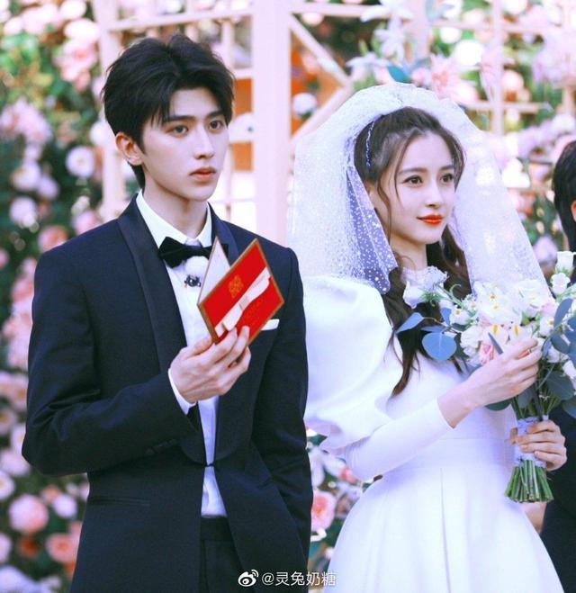 杨颖婚纱照