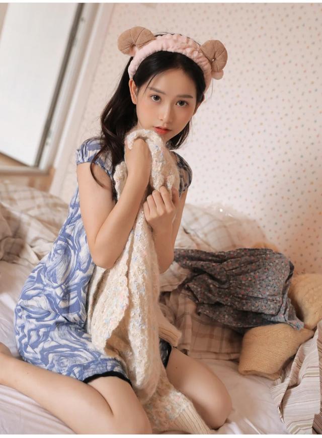 高清漂亮的真实美女头像加生活照,女生头像图片_娟娟壁纸手机版