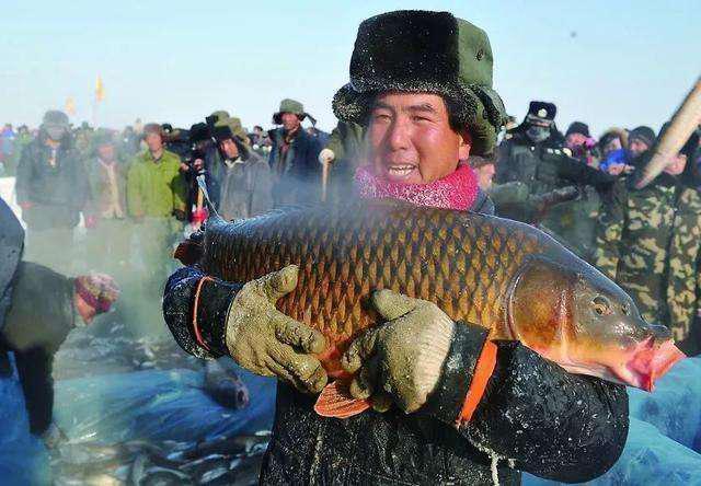 新疆福海县:疫情防控不松懈 春耕生产不停歇