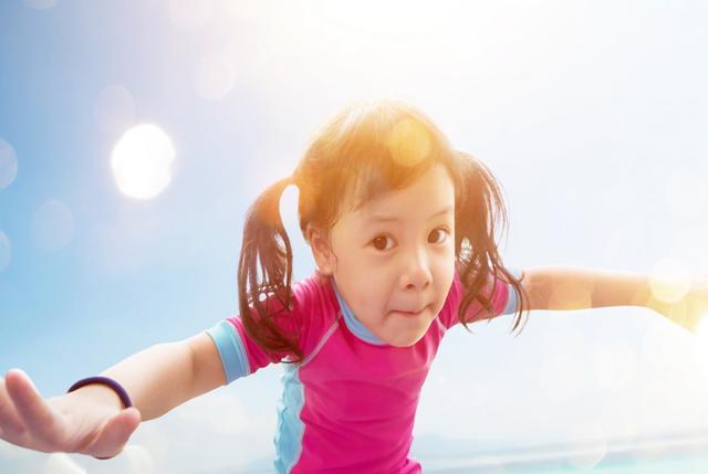 """为啥很多孩子""""人小脚大"""",是猛涨的发育信号吗?结果和想象不同"""