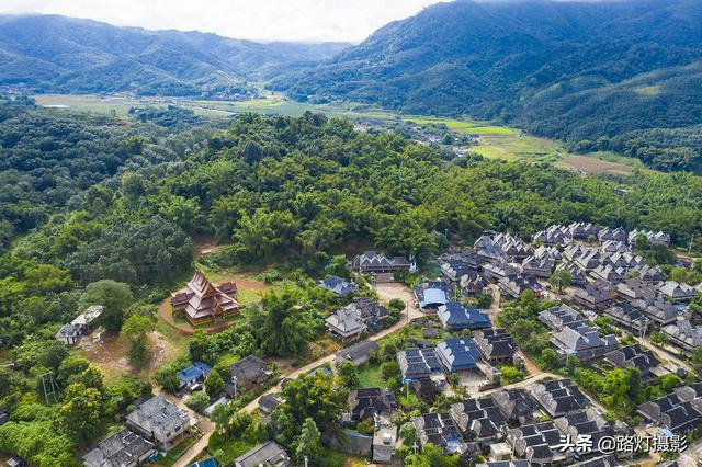 中国最美的四个地方,这一生一定不能错过,去过最后一个的是高手