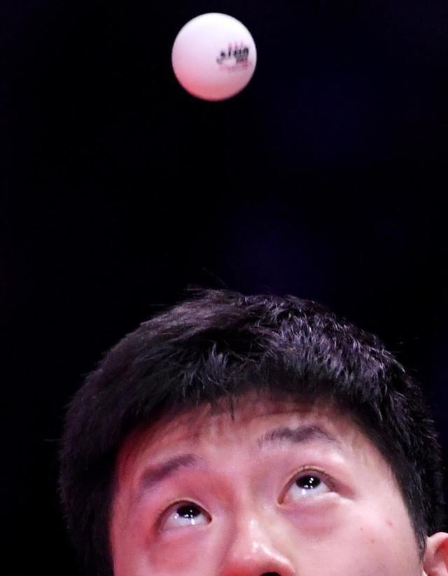 马龙2-4不敌王楚钦,赛后表示:大头进步很明显,内外战很成熟 第3张