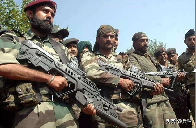 一邊談判一邊增兵,莫迪還親赴前線慰問,印度究竟在謀劃些什麼?