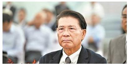 从街道干部到中国首富,他凑齐5000元开始创业,如今身价1806亿 创业 第5张