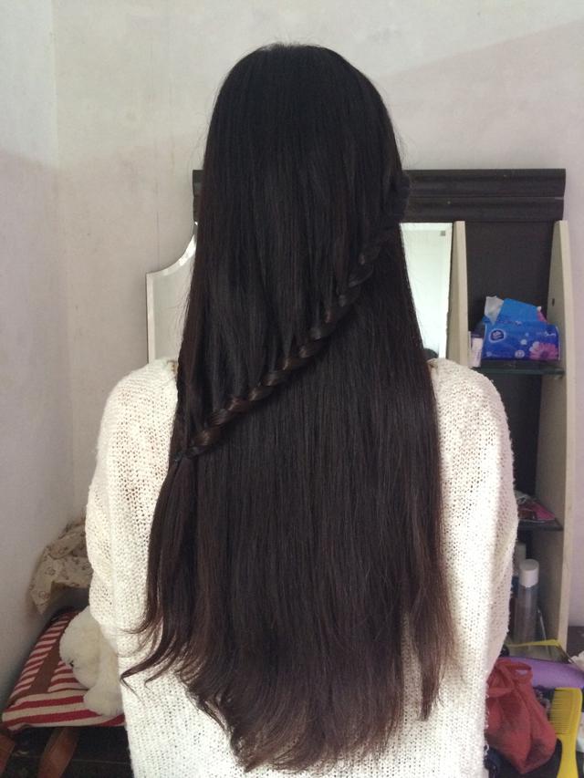 短发留长发如何打理_短发留长发如何打理技巧_发型屋