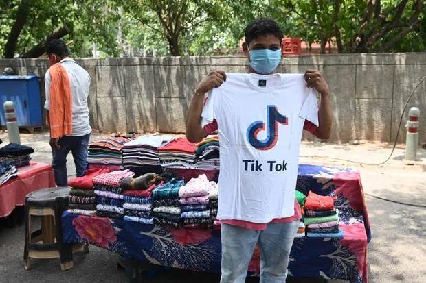"""抖音海外版TikTok遭禁用,印度网红们:""""真的很受伤"""""""
