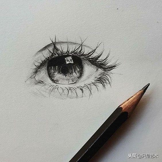 冷酷女生的眼睛画