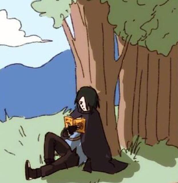 火影:佐助在偷偷看亲热天堂,当被小樱发现后,吓得用天照烧书