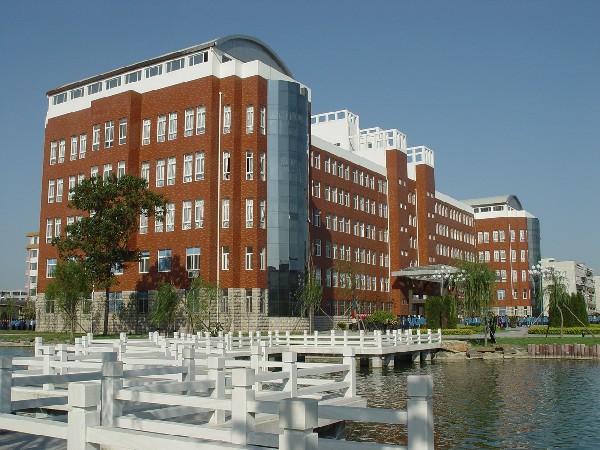 内蒙古大学南校区图片