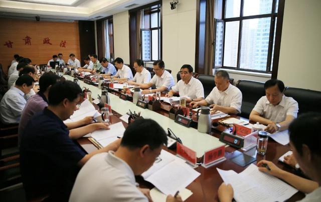 胡焯:坚决贯彻党中央决策部署 全面加强政法队伍建设