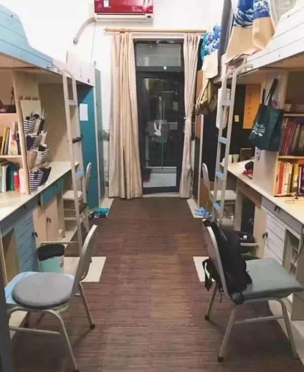鄂尔多斯大学宿舍楼实拍,宿舍内部揭秘,看看好不好。