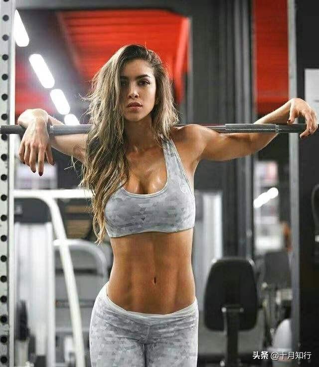 想要練出漂亮的腹肌或馬甲線,哪有什麼秘密,就是吃與練