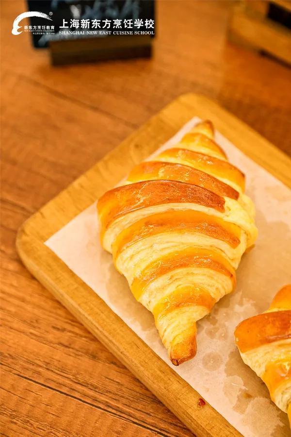 可颂面包的做法_菜谱_香哈网
