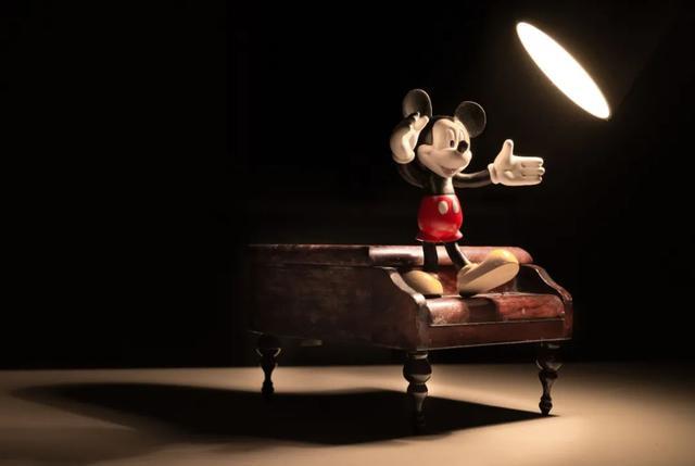 """乐园开放、电影上映都""""放鸽子"""",迪士尼还能""""撑""""多久?"""