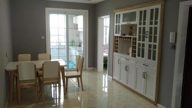 白色柜子配什么家具