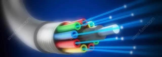 等离子芯片来了!集成电子和光子原件,突破光纤传输速率极限