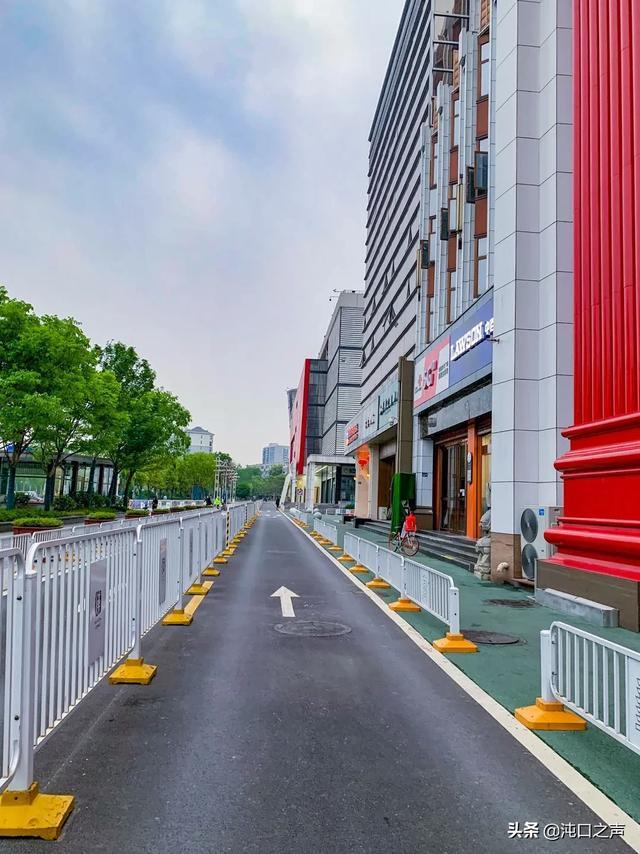 停车卷图片苏宁广场