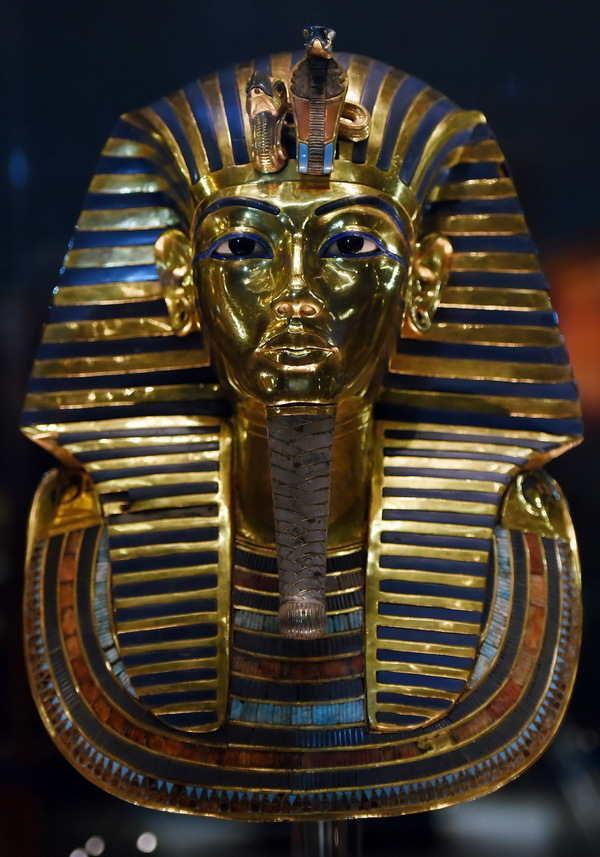 埃及法老王图坦卡蒙真容曝光:龅牙足畸形