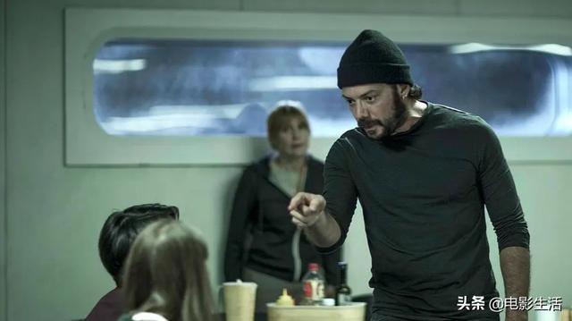 豆瓣8.5,西班牙最新悬疑剧!密室暗杀一集死7个,没人能猜到结局