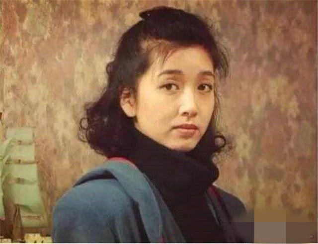 江珊和张博的结婚照