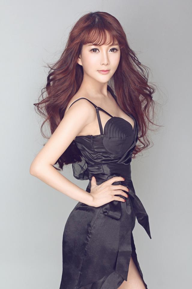 陈宝欣最新歌曲《一个人的悲喜》重磅上线